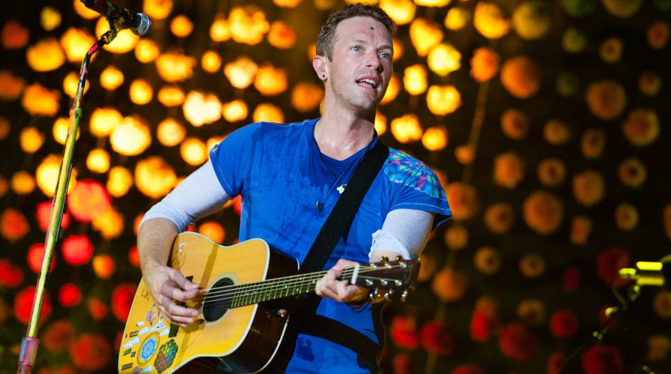 "Chris Martin realizó un cover de la clásica canción de Paul Simon ""Graceland"""