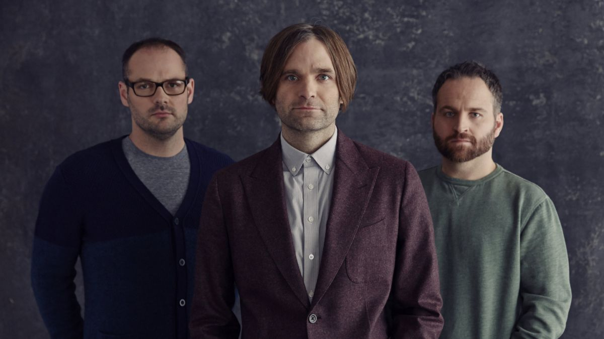 "Death Cab For Cutie anuncia nuevo álbum y comparte su primer single: ""Gold Rush"""
