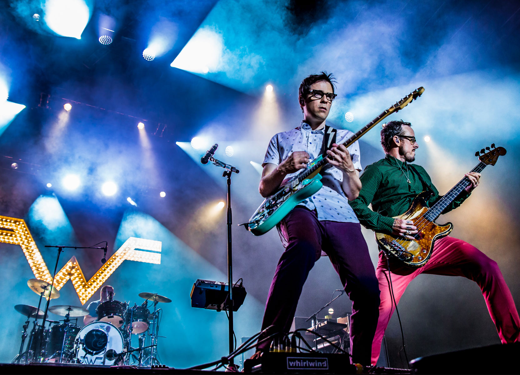 Zombie Bastards: Weezer lanza un nuevo single de su Black Album