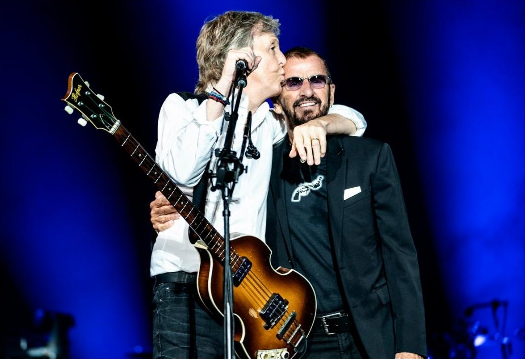 Come Together: Paul McCartney tocó clásicos de The Beatles junto a Ringo Starr durante un concierto