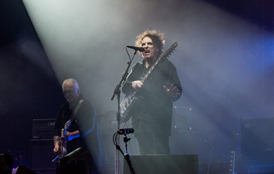 Robert Smith dice que está componiendo 3 nuevos discos de The Cure